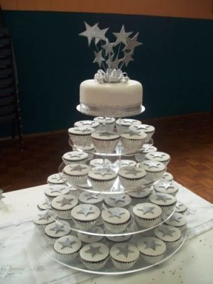 Summer Petal Cakes Gallery Wedding Cakes in Bedfordshire Eggless